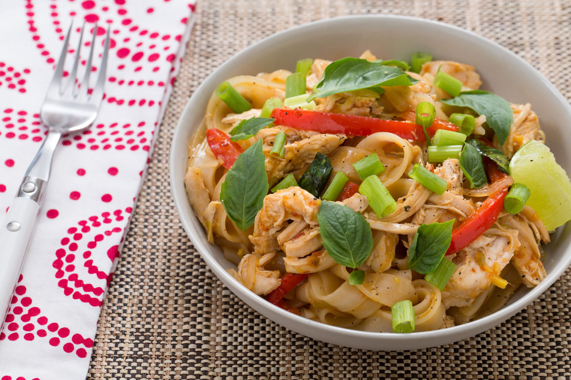 Chicken Pad Kee Mao with Bell Pepper & Thai Basil